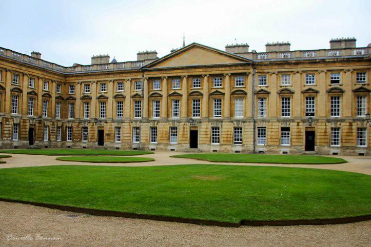 אוניברסיטה לדוגמא: אוקספורד